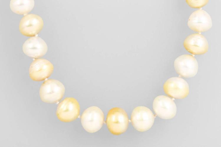 Necklace made of south seas pearls