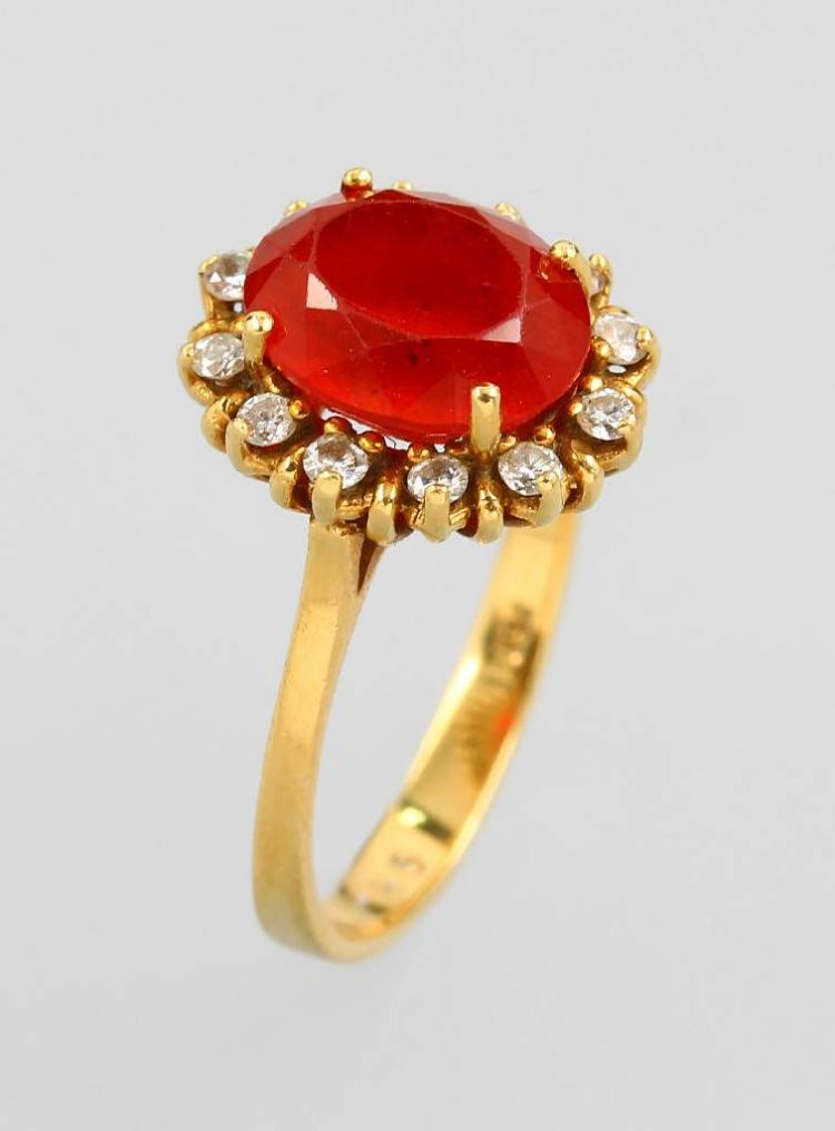 18 kt gold ring with fire opal and brilliants