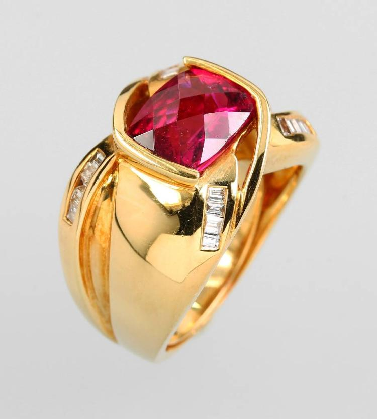 18 kt gold ring with rubellite and diamonds