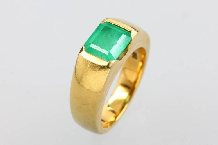 14 kt gold ring with emerald