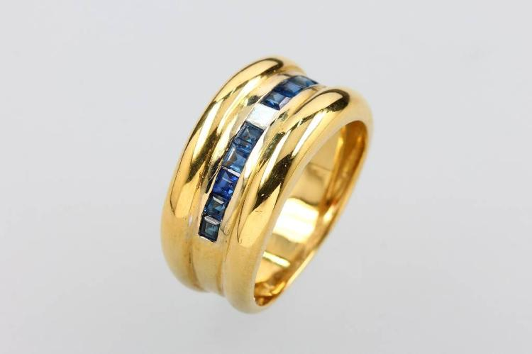 18 kt gold ring with sapphires and diamond