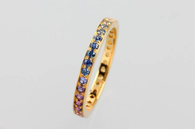 18 kt memory gold ring with sapphires