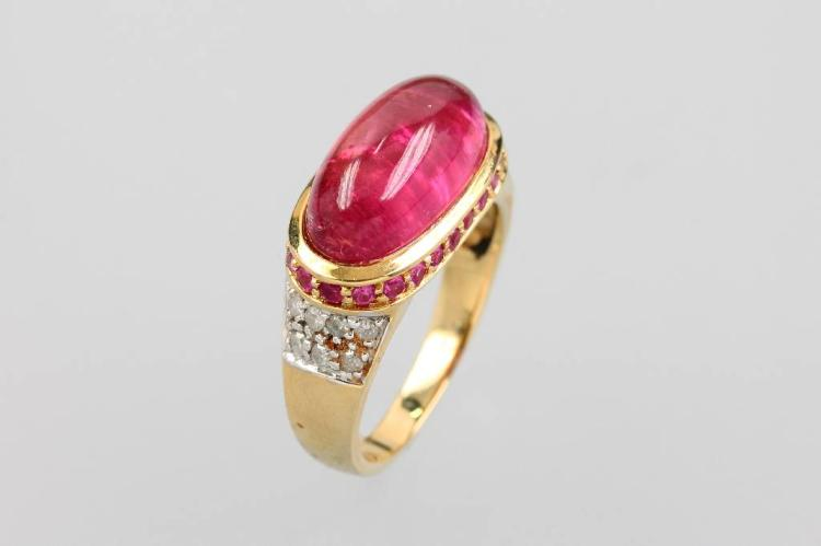 14 kt gold ring with rubellite, rubies and diamonds