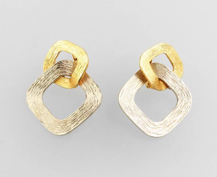 Pair of 18 kt gold earrings