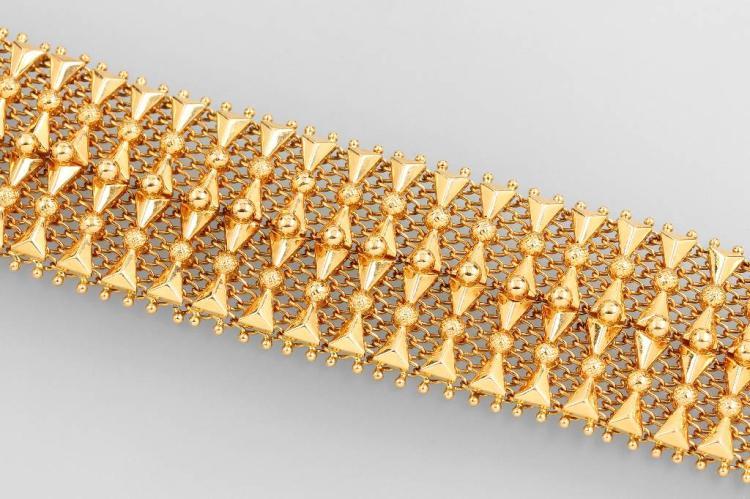 Wide 18 kt gold bracelet