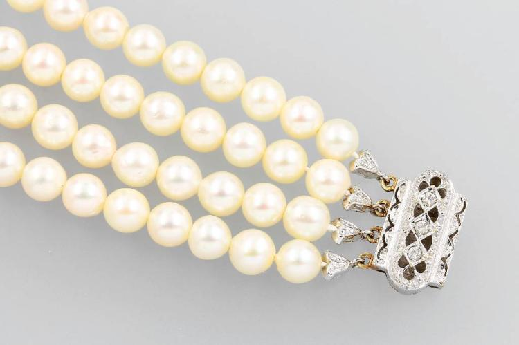 4-row bracelet with cultured pearls and synthesis