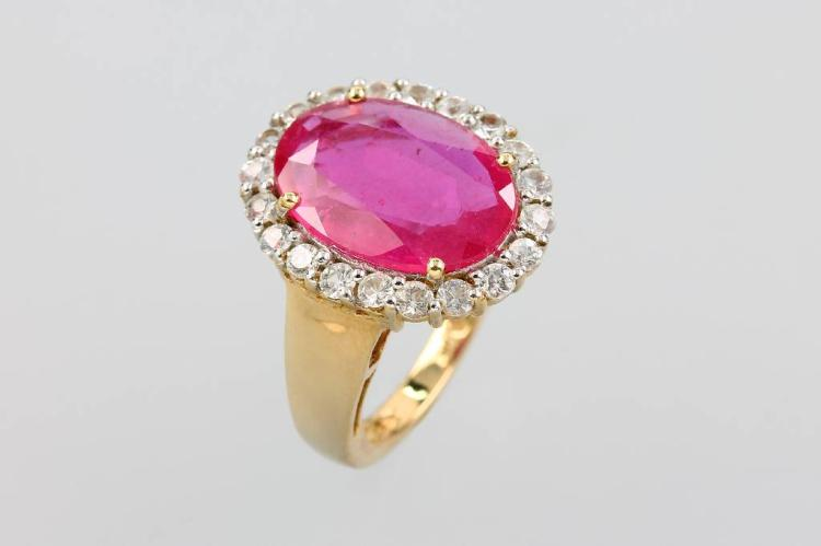 9 kt gold ring with ruby and sapphires