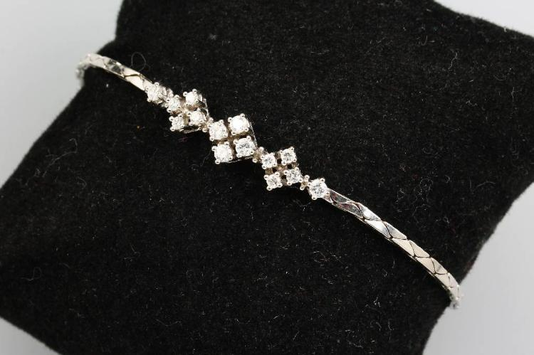 Bracelet with brilliants