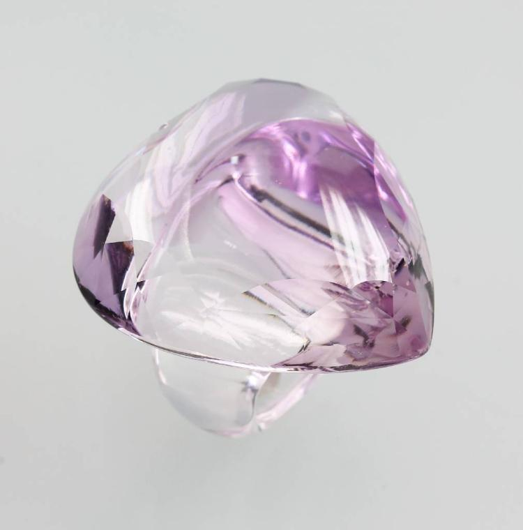 Ring made of amethyst