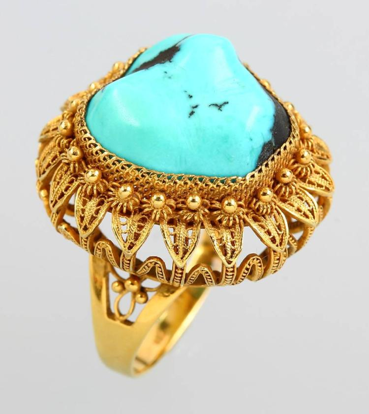 14 kt gold ring with turquoise