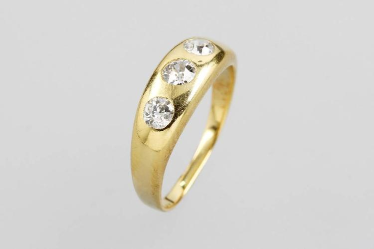 14 kt gold bandring with 3 diamonds