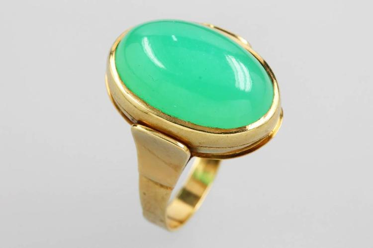 14 kt gold ring with chrysoprase