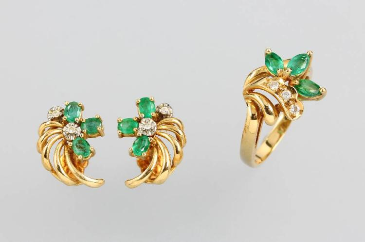 14 kt gold jewelry set with emeralds and diamonds