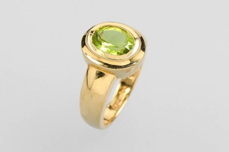 14 kt gold ring with peridot
