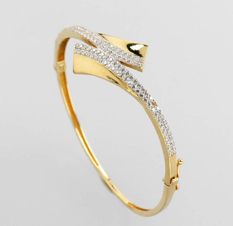 14 kt gold bangle with brilliants