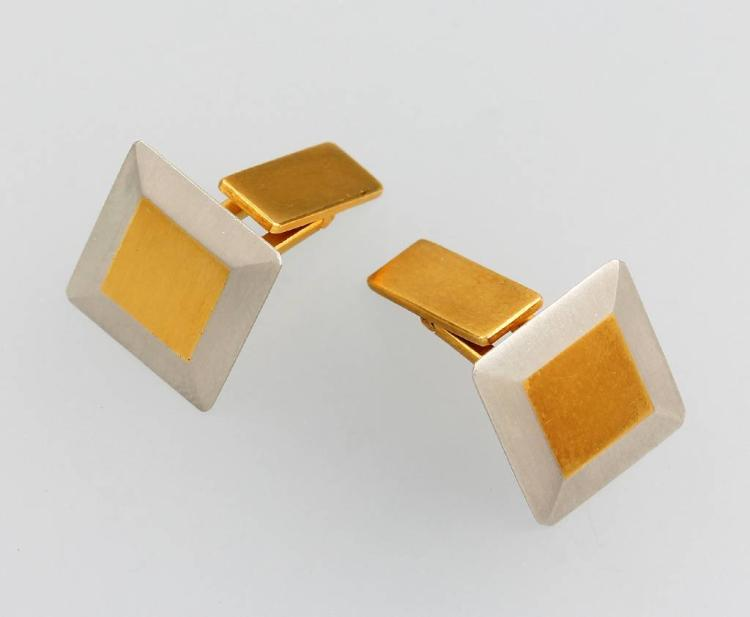 Pair of 18 kt gold cuff links