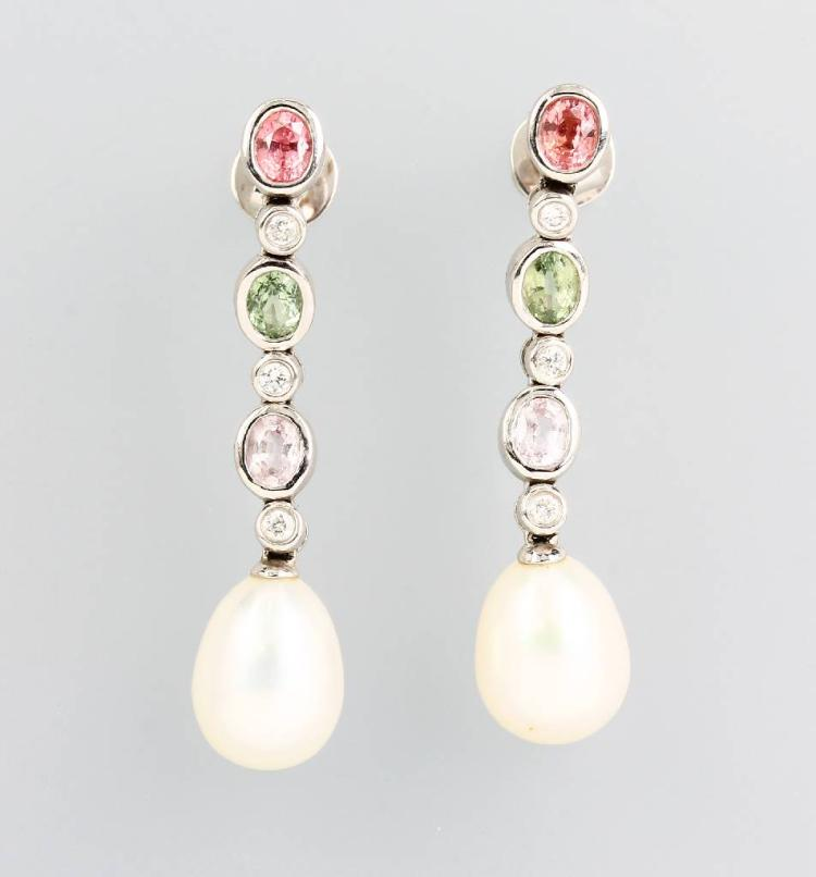 Pair of 18 kt earrings with sapphires, brilliants and pearls