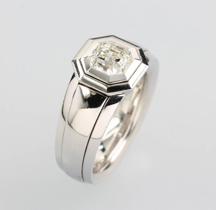 18 kt gold ring with diamond