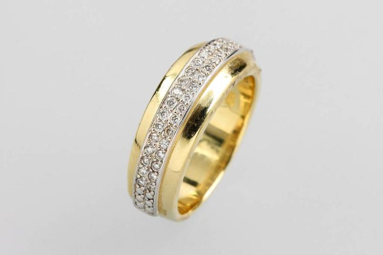 14 kt gold ring with brilliants