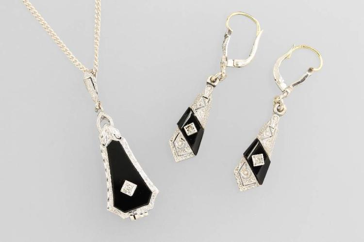Jewelry set with onyx and diamonds