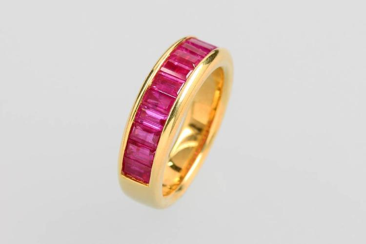 18 kt gold ring with rubies
