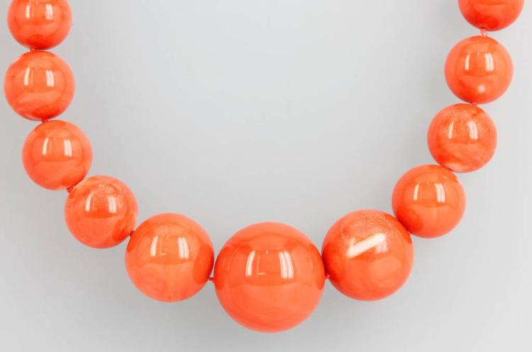 Necklace made of coral