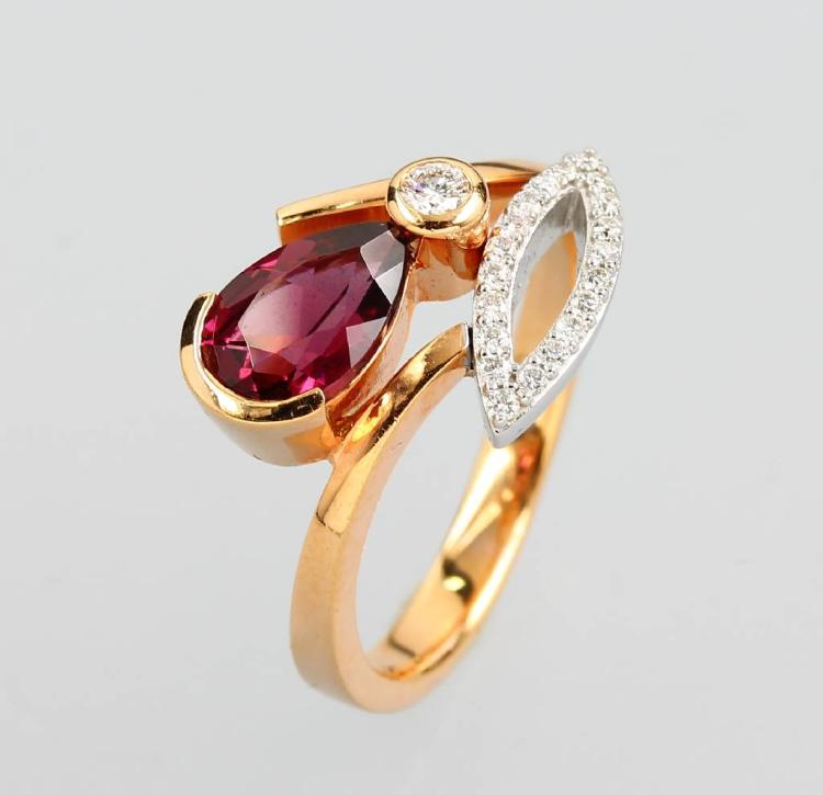 14 kt gold ring with rubellite and brilliants