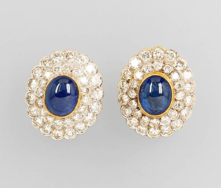 Pair of 18 kt gold earclips with sapphires and diamonds