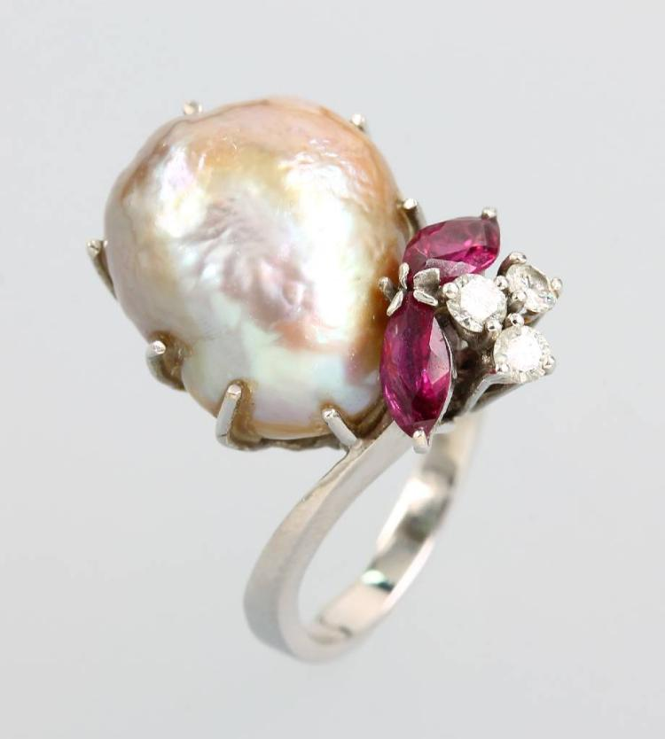 14 kt ring with pearl, brilliants and rubies