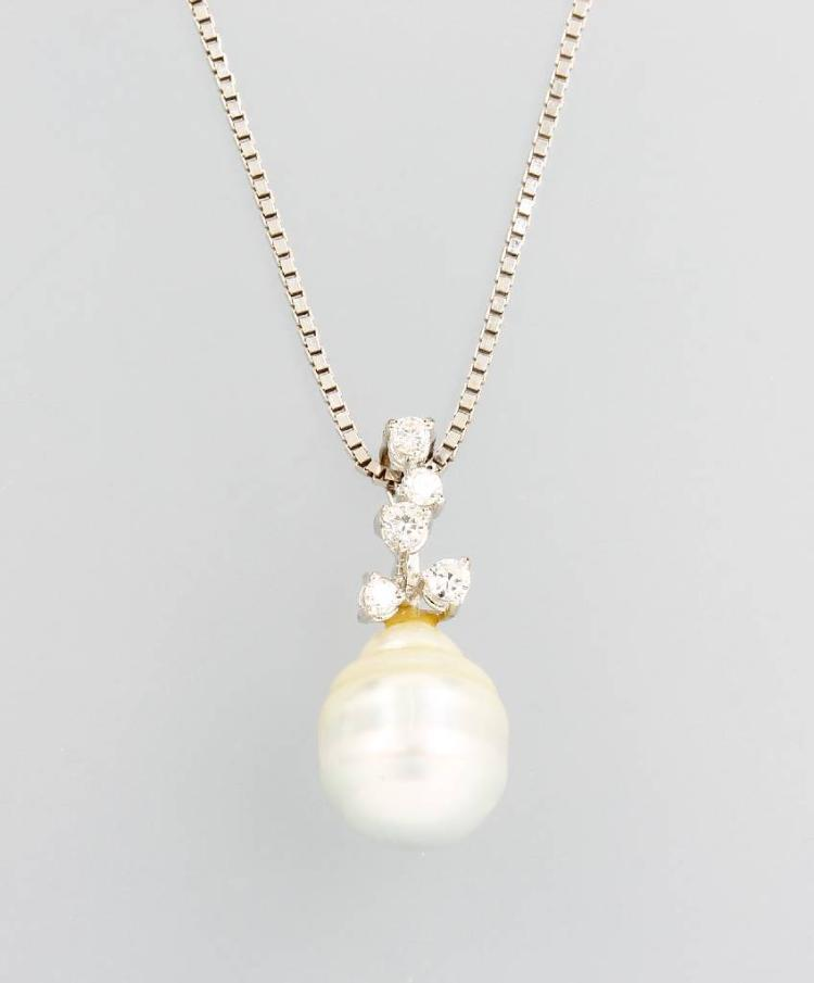 14 kt gold necklace with cultured south seas pearl and brilliants