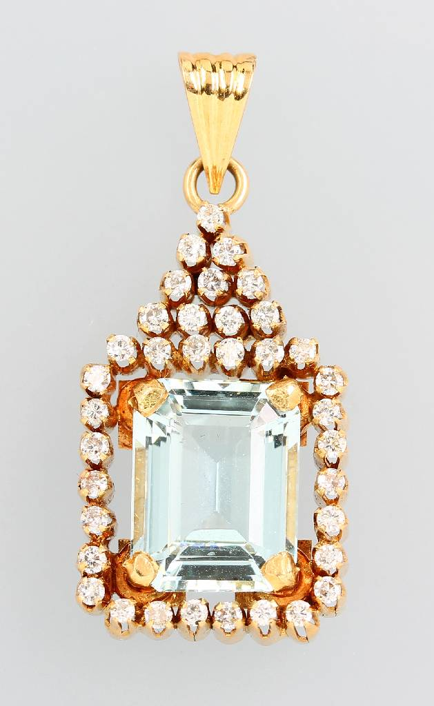 14 kt pendant with aquamarine and brilliants