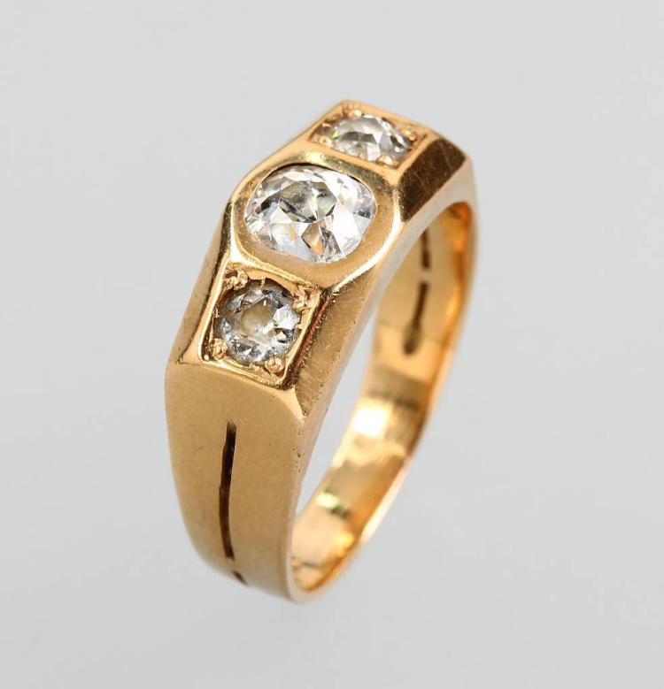 14 kt gold ring with old cut diamonds