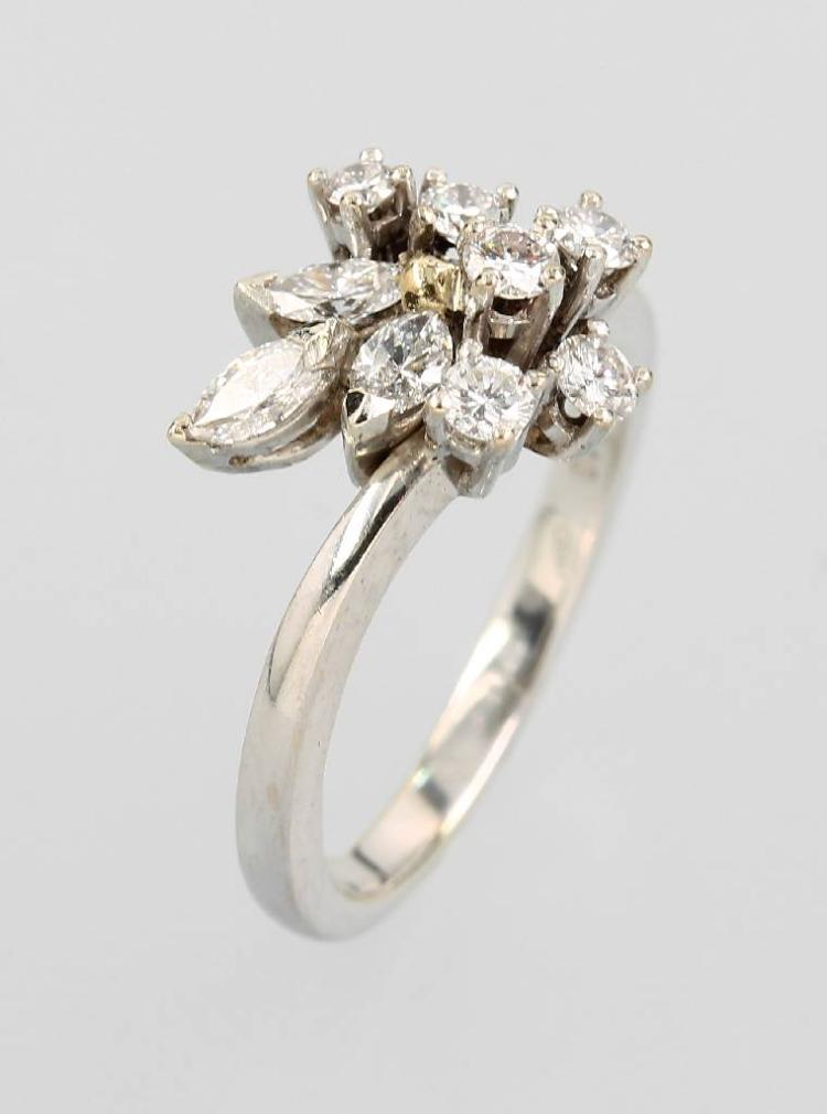 18 kt ring with diamonds
