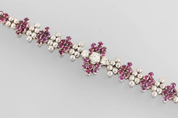 14 kt gold bracelet with rubies and brilliants