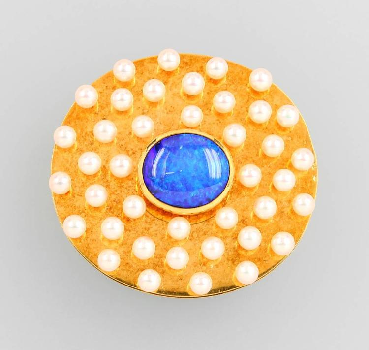 18 kt gold brooch with opal and pearls