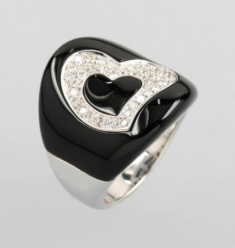 18 kt gold ring with brilliants and onyx by CHIMENTO