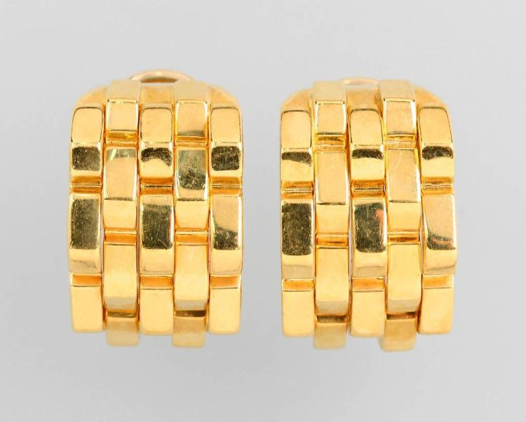 Pair of 18 kt gold half ear hoops by CHIMENTO