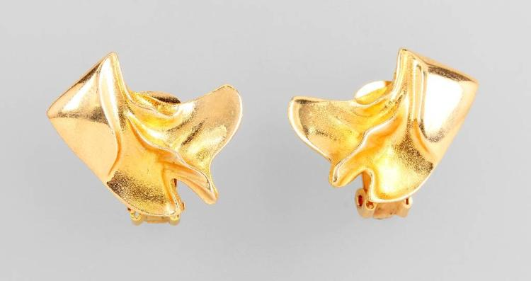Pair of 14 kt gold earclips by LAPPONIA