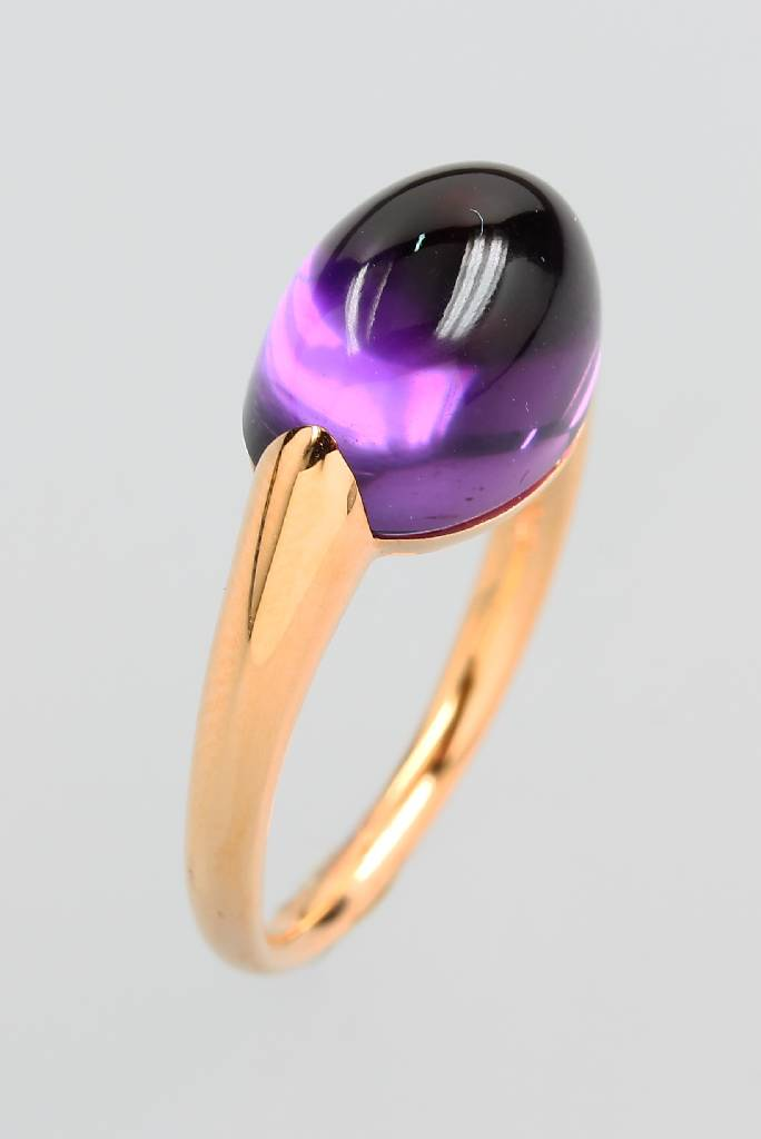 18 kt gold ring with amethyst