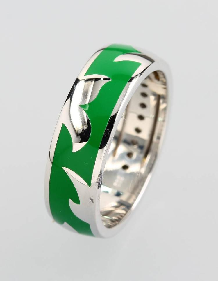 18 kt gold ring with green enamel