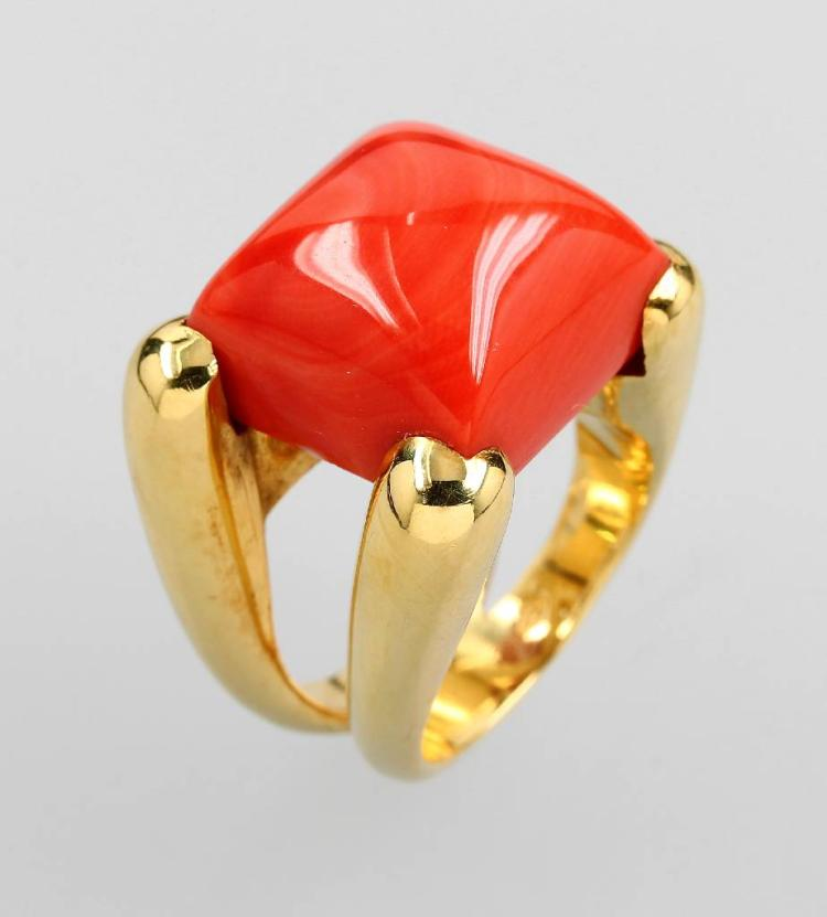 Exclusive 18 kt gold ring with Moro coral