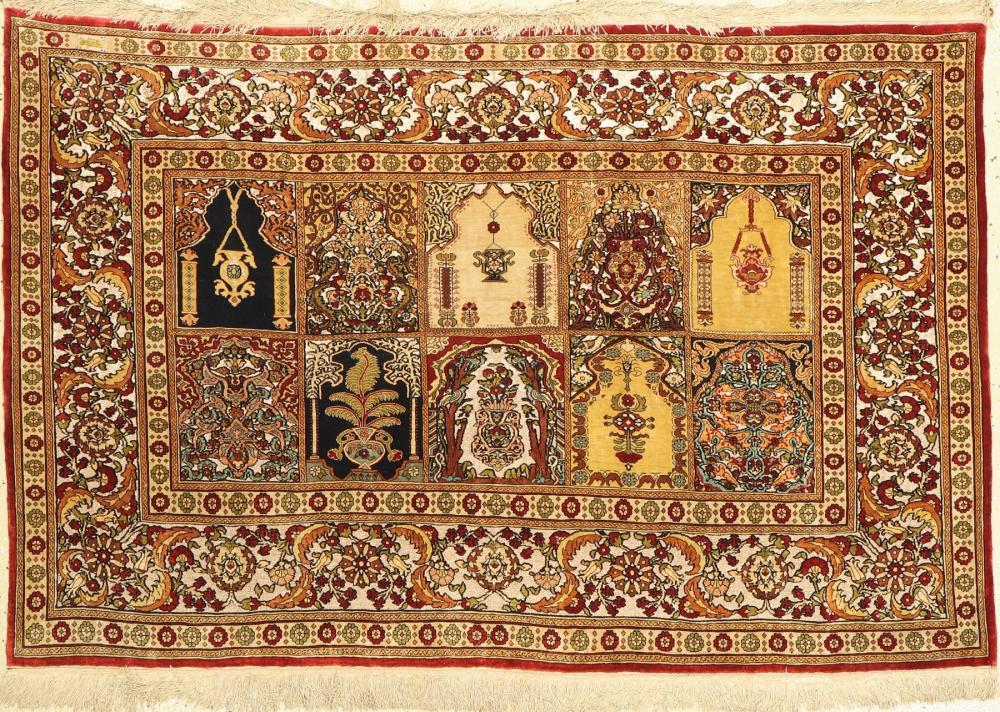 Fine signed silk Hereke old, Turkey, around 1930/1940