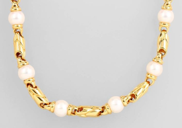 18 kt gold BULGARI necklace with pearls