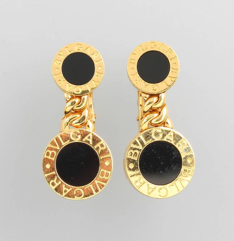 Pair of 18 kt gold BULGARI earrings with onyx