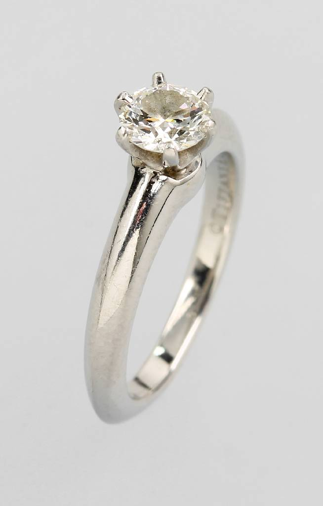 Platinum TIFFANY ring with brilliant-solitaire
