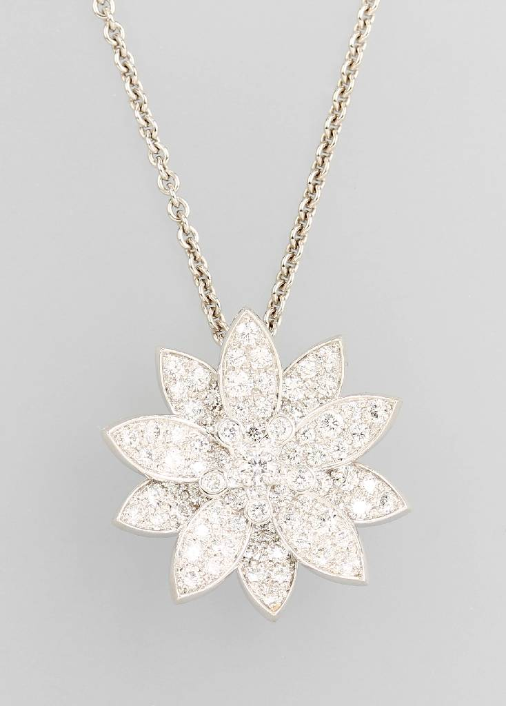 18 kt gold pendant VAN CLEEF & ARPELS with brilliants 'Lotus'