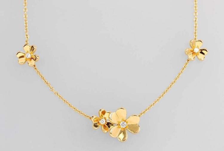 18 kt gold VAN CLEEF & ARPELS necklace with brilliants