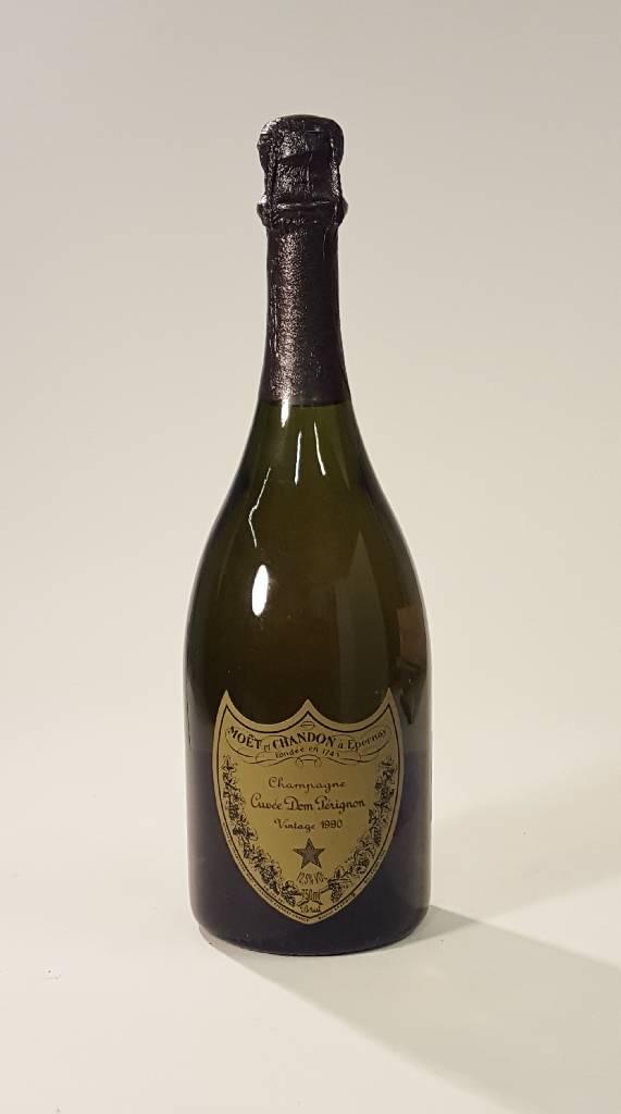 1 bottle 1990 moet et chandon dom perignon champagne. Black Bedroom Furniture Sets. Home Design Ideas