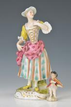 2 figurines, around 1910