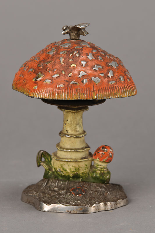 Table bell german circa 1900 in the form of a toadstool for Doorbell in german